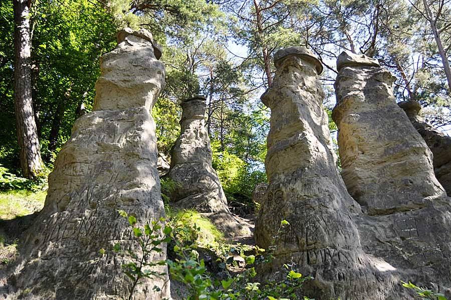 sandstein-monolithen